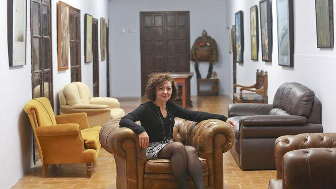 Victoria Abón, en una de las salas del Ateneo de Málaga, la institución que preside.