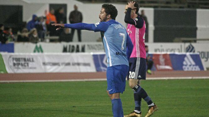 Manuel Iturra, durante el partido contra el Hamburgo.
