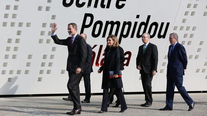 Los Reyes a su llegada al Pompidou para entregar las Medallas al Mérito en Bellas Artes.