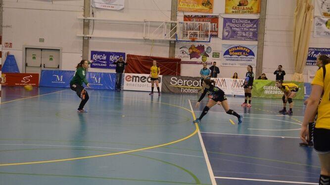 Sole López mete el gol que puso la diferencia definitiva.