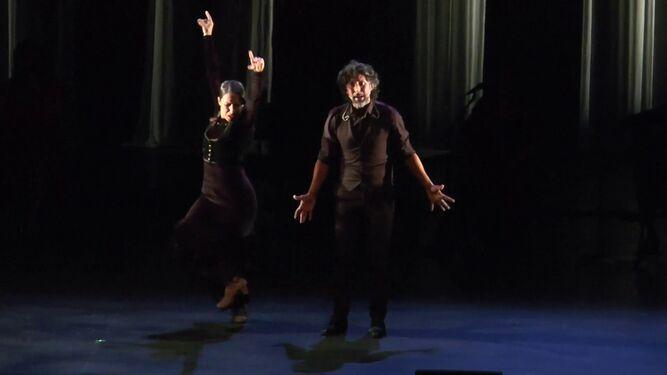 Arcángel le canta a la bailaora Ana Morales, muy aplaudida en el Sadler's.