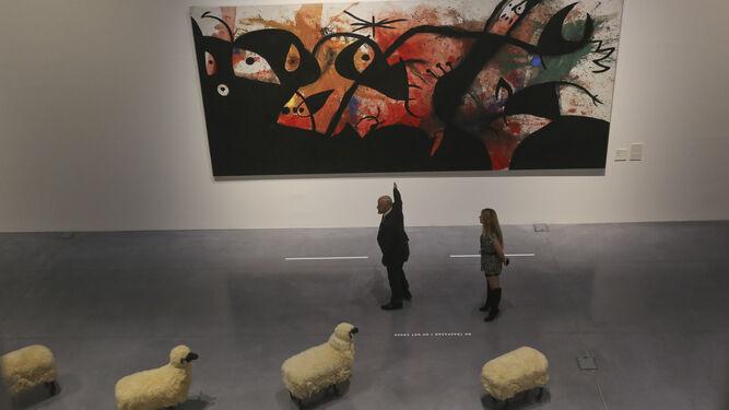 'Personajes y pájaros en la noche' de Miró y 'Rebaño de ovejas' de F. Lalanne, en la actual colección 'Utopías Modernas', del Centro Pompidou.