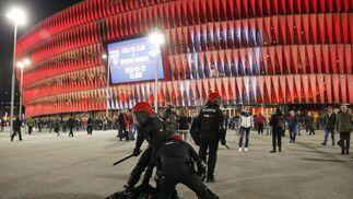 Las imágenes de los altercados previos al Athletic-Spartak de Moscú