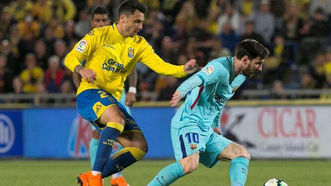 official photos 30738 173fb Messi-guia-balon-momento-partido 1222988712 81458984 667x375.jpg