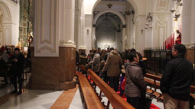 Jesús de Medinaceli quedó expuesto en el presbiterio de la parroquia de Santiago por primera vez.