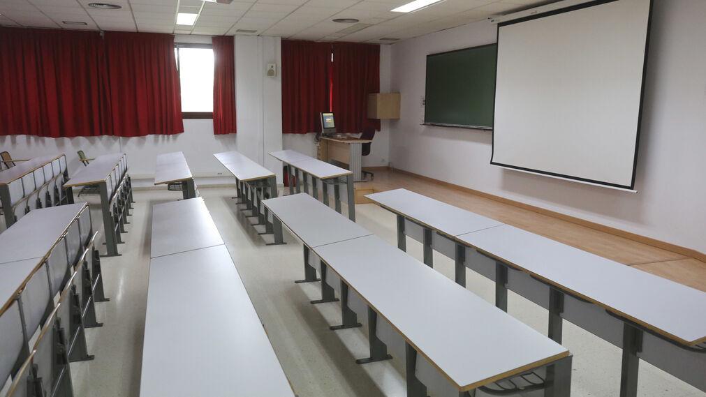 Aula vacía en la Universidad.