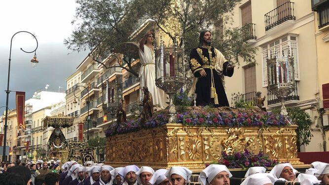 El Señor Orando en el Huerto procesiona con la cofradía de la Pollinica de Antequera.
