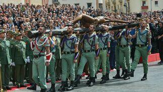 El desembarco de la Legión y el traslado del Cristo de Mena