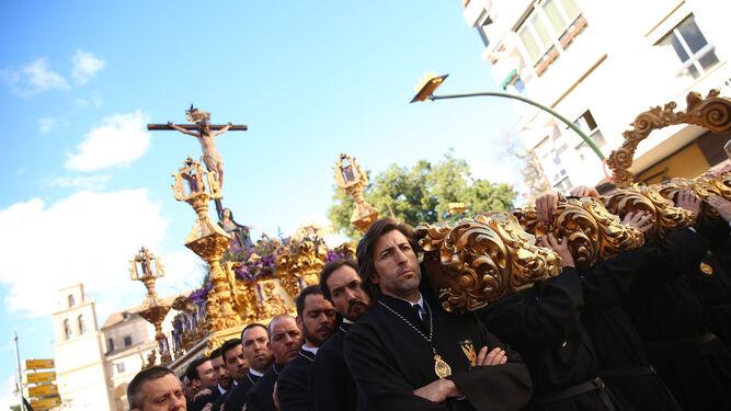 El Santísimo Cristo del Amor, a su llegada al Compás de la Victoria.