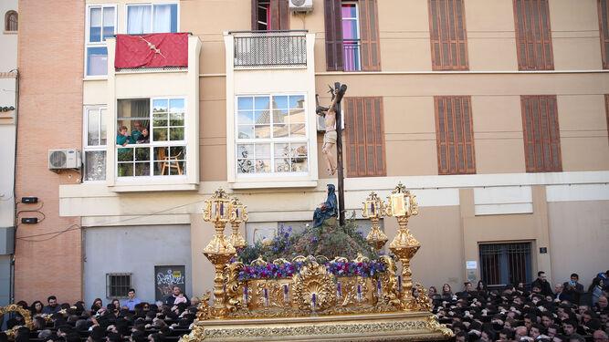 Nuestra Señora de la Piedad, a su paso por la plaza de Enrique García-Herrera.