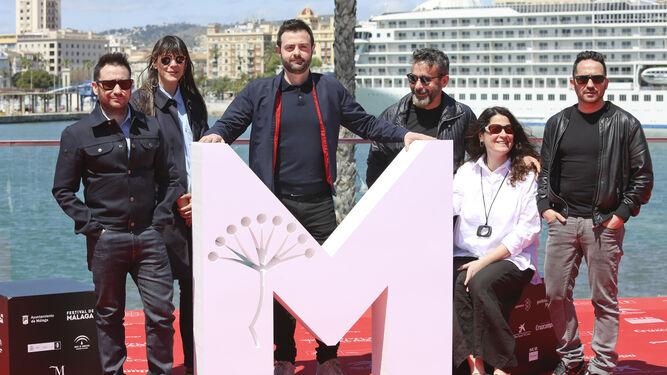 El productor, junto a Gustavo Sánchez y el equipo de 'I hate New York'.