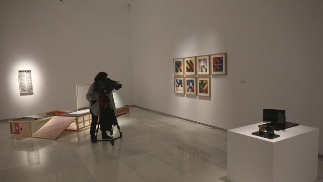 Una de las salas de la muestra de la Fundación Cajasol.