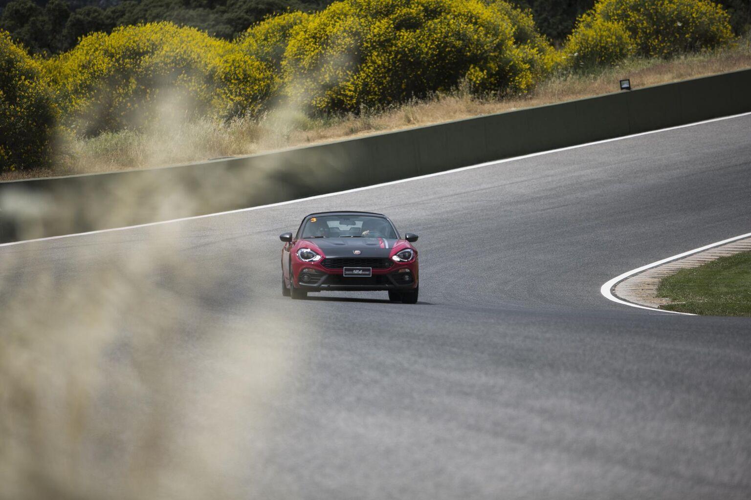 Circuito Ascari : El abarth day hace vibrar al circuito de ascari