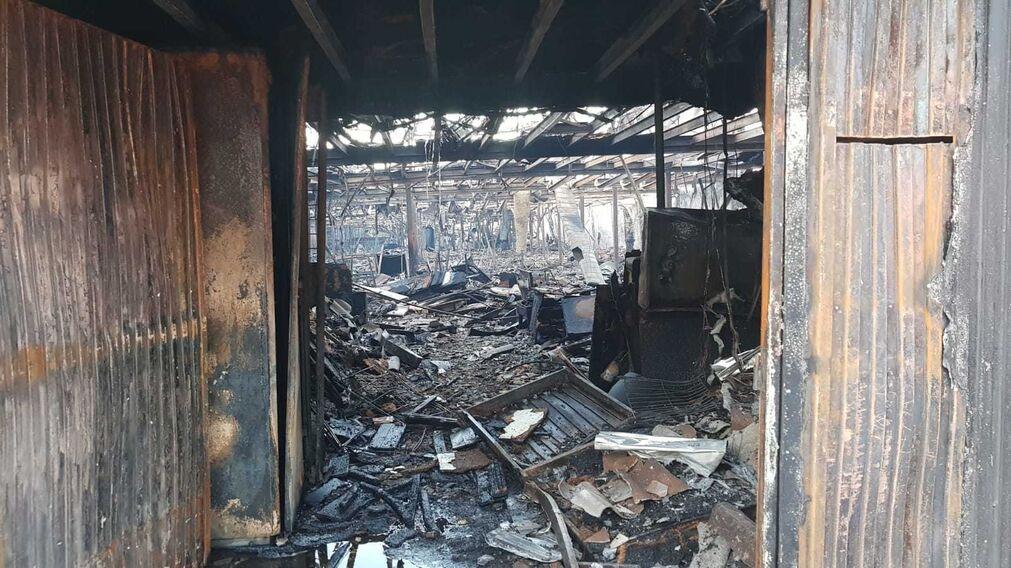 incendio en una tienda de muebles en el pol gono el viso