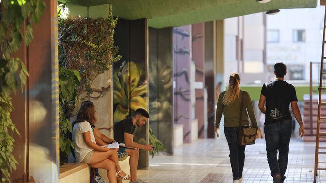 Buscar habitaci n para el curso misi n imposible for Milanuncios pisos malaga