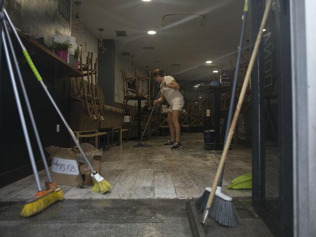 La lluvia inundan comercios y bares de ronda - Bares en ronda ...