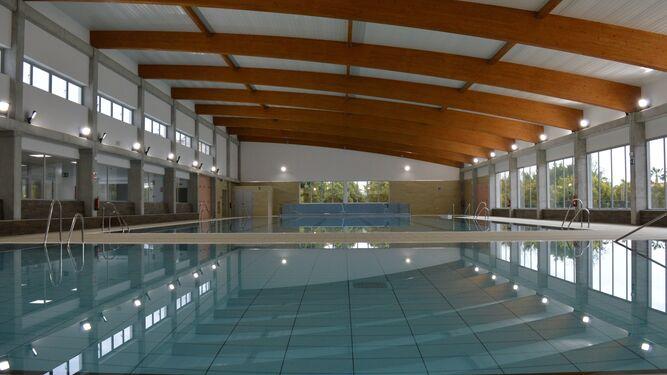 Nuevo retraso para abrir la piscina cubierta de rinc n de la victoria - Piscinas cubiertas malaga ...