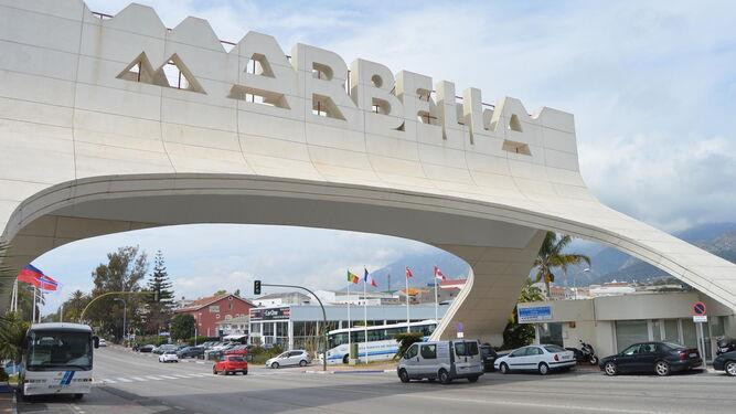 Arco de entrada a Marbella.