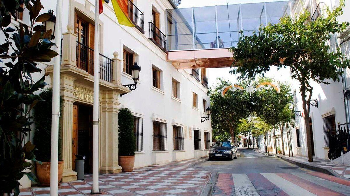 Benalmádena pone 153 denuncias en el fin de semana por incumplir el cierre perimetral