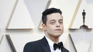 <p>Rami Malek, de Saint Laurent</p>