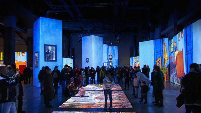 La exposición multimedia  Van Gogh Alive . f63d4cd69cd