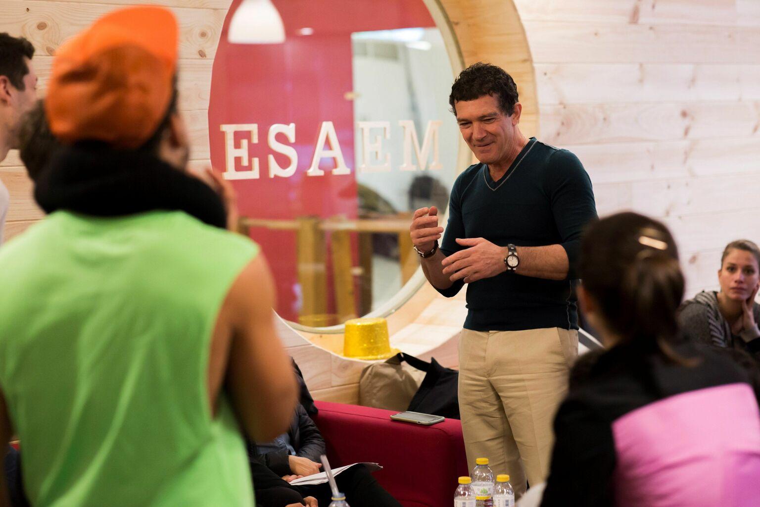 Resultado de imagen para Antonio Banderas cuenta con el elenco del musical que abrirá su teatro en octubre