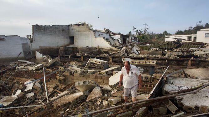 hombre-zonas-afectadas-tornado-Campillos