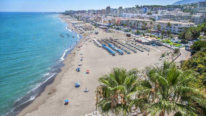 Muere un bañista de 50 años ahogado en la playa de La Carihuela, en Torremolinos 1
