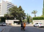 Fallecen dos personas en un hotel de Marbella tras precipitarse una de ellas desde uno de sus balcon ...