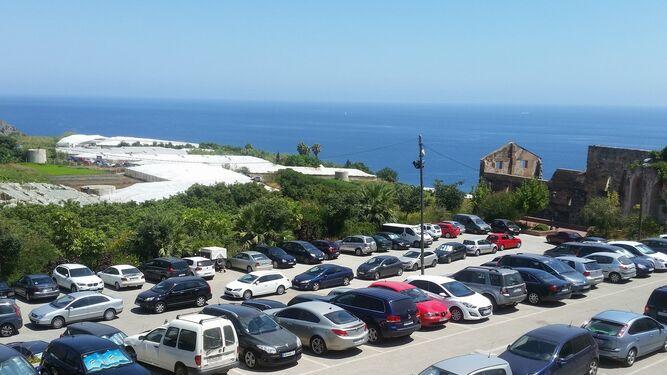 Nerja prohíbe la reserva de espacio en las playas 2