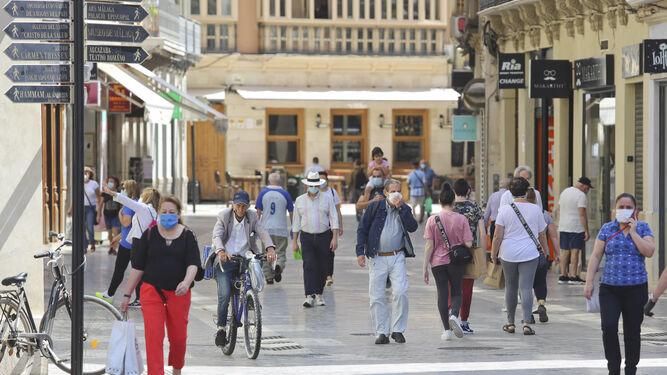 La Junta alerta de contagio comunitario de coronavirus en la provincia de Málaga y propone restricciones 2