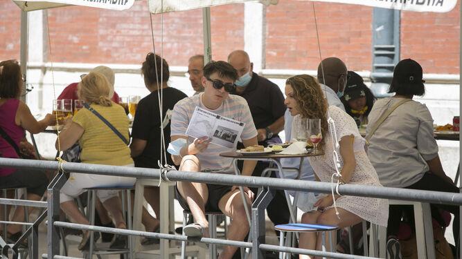 Los hosteleros de Málaga exigen un plan de rescate para no cerrar sus negocios 2