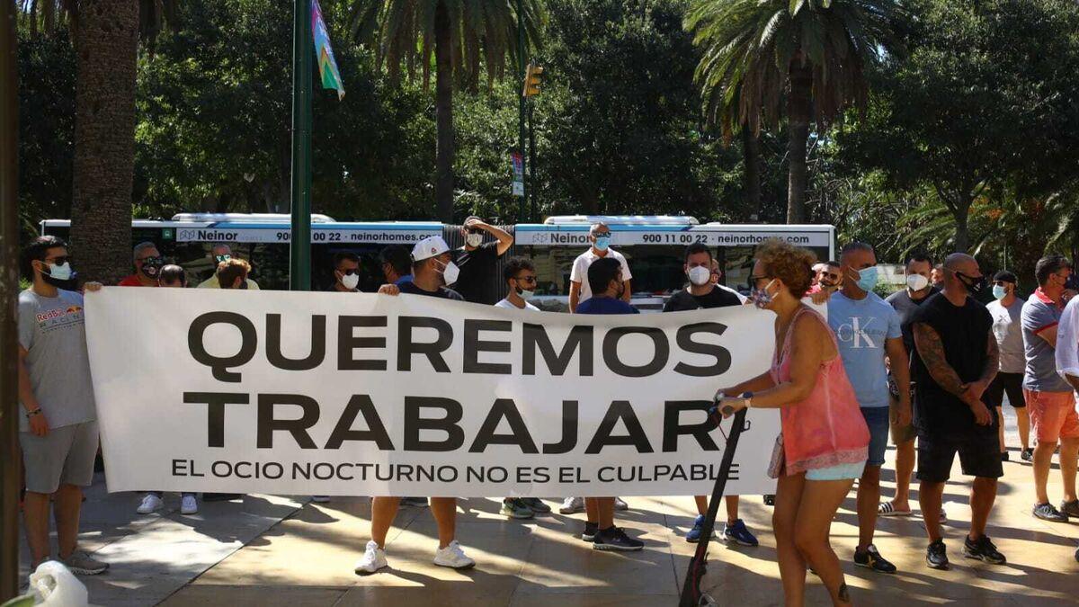 Los trabajadores (indignados) del ocio nocturno en Málaga dan la cara 2