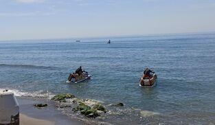 Dos de las motos acuáticas cargadas de hachís