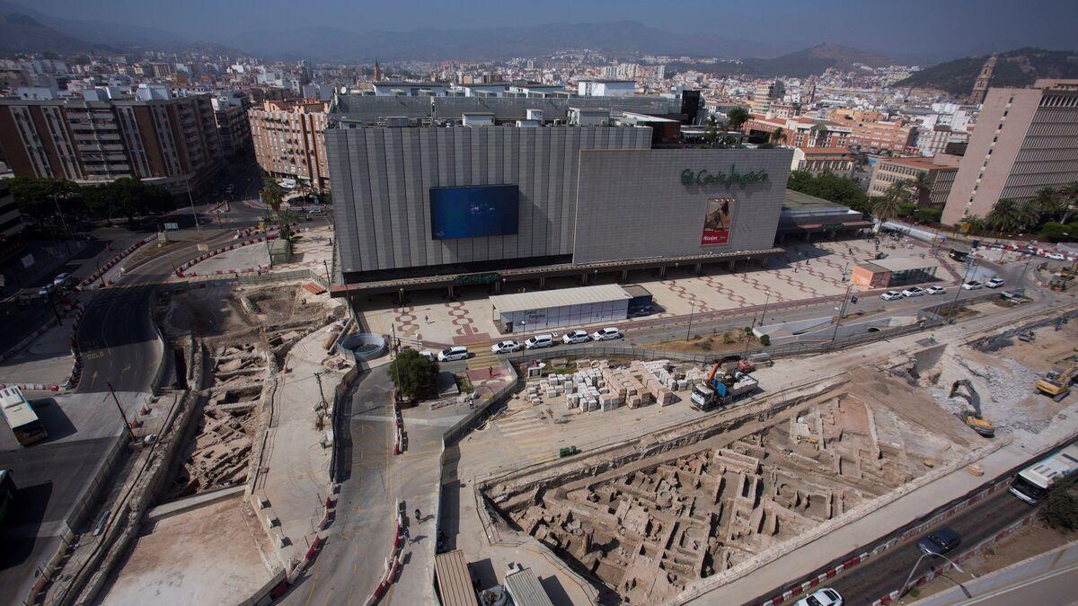 El Metro desentierra parte de la muralla medieval de Málaga 3