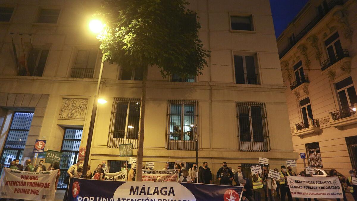 Protestas por más medios para acabar con el colapso de la atención primaria en Málaga