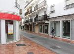 """Comerciantes se concentran para pedir """"ayudas directas"""" al Ayuntamiento de Marbella"""