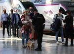 Controles policiales personalizados en la estación de tren y en el aeropuerto de Málaga