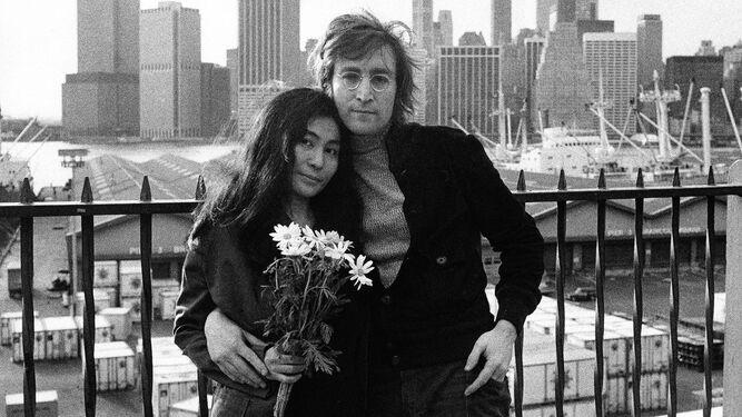 John-Lennon-Yoko-Nueva-York_1526557943_129090367_667x375