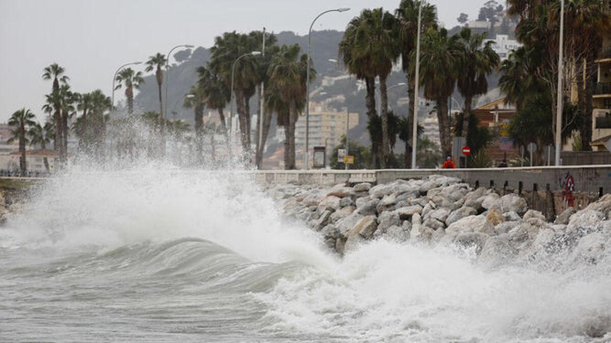 Alerta por viento y oleaje en Málaga este domingo
