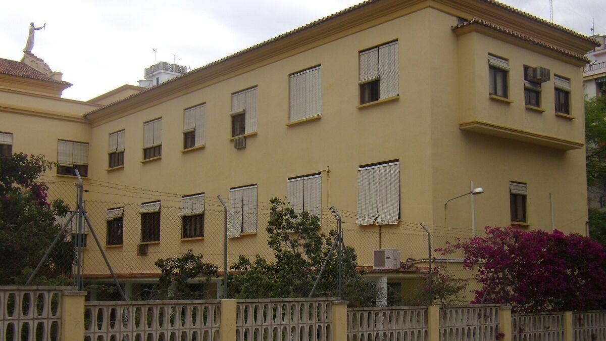 Edificio de la Universidad de Málaga donde se ubicará de forma temporal del centro de salud de El Palo.