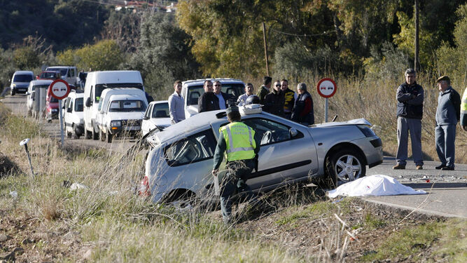 La Guardia Civil interviene en un accidente de tráfico