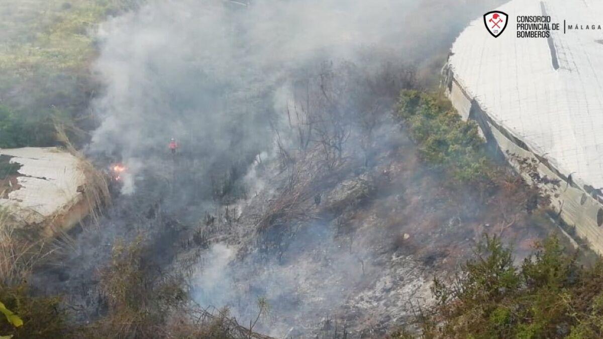 Estabilizado un incendio declarado en un paraje de El Moche, en Torrox