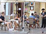 Málaga capital esquiva el toque de queda al bajar su tasa de Covid, pero hay otros seis muertos