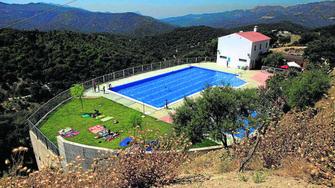 Alpandeire estrena una piscina de agua salada - Piscinas de agua salada ...